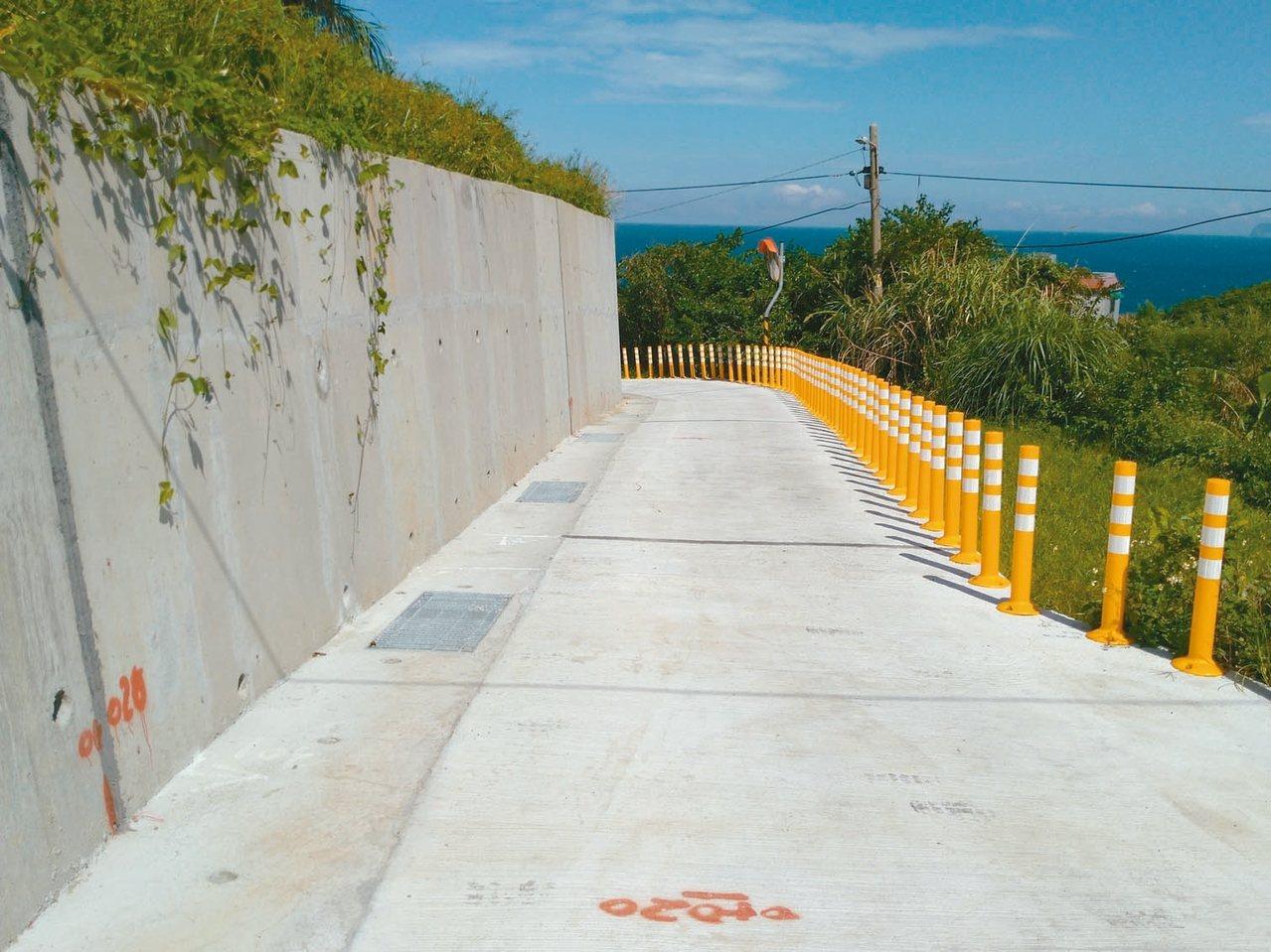 金山區跳石聯絡道施作完成,道路寬達2.5公尺,居民出入方便。 圖/金山區公所提供