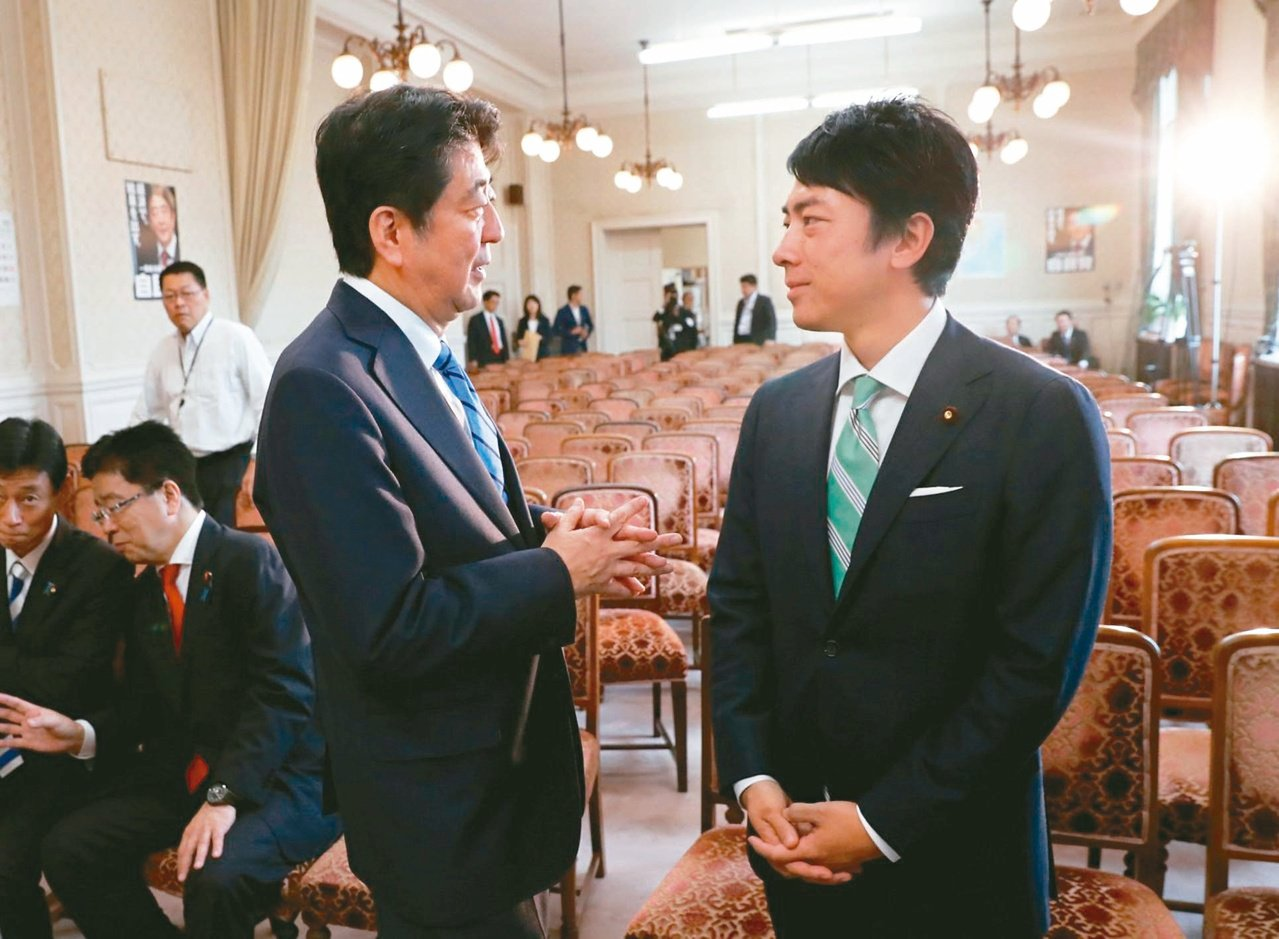 日本首相安倍晉三昨宣布第四次內閣名單,這次大幅改組,最受注目的是前首相小泉純一郎...
