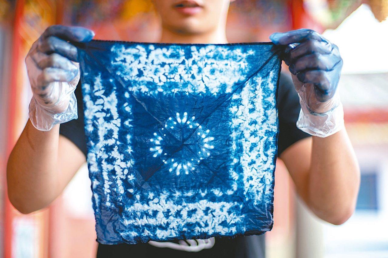 初學者也能染出漂亮的布。 照片提供/愛染客團隊