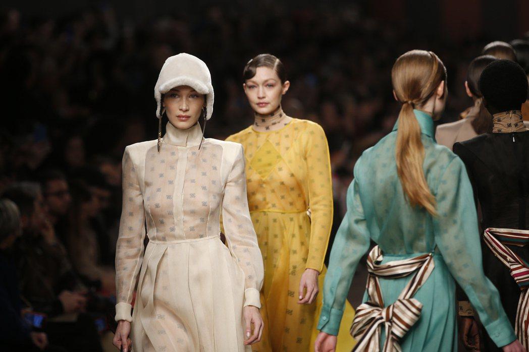 哈蒂德姊妹今年初幫義大利品牌芬迪走秀。 (美聯社)