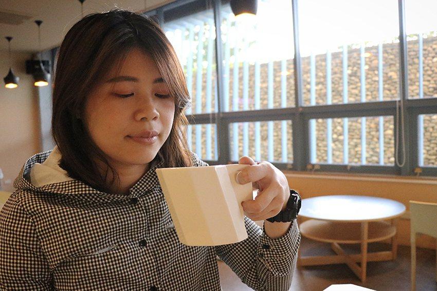兼具實用與美感的造型陶瓷杯,使用同時如同捧著博物館細細品味。  十三行博物館/提...