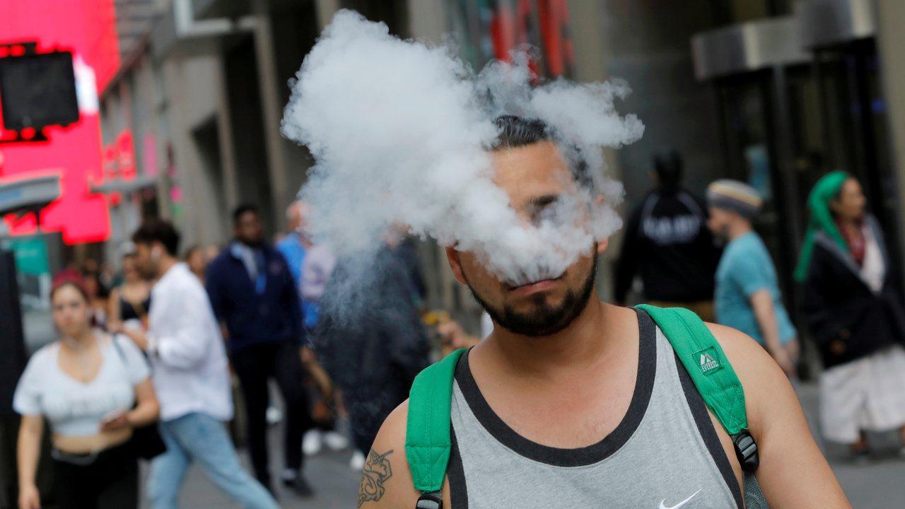 聯邦擬全面禁電子煙。 路透社