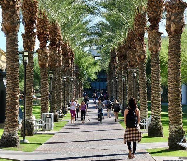 九名在亞利桑那州立大學就讀的中國留學生,日前在洛杉磯國際機場被邊境官員扣留後遣返...
