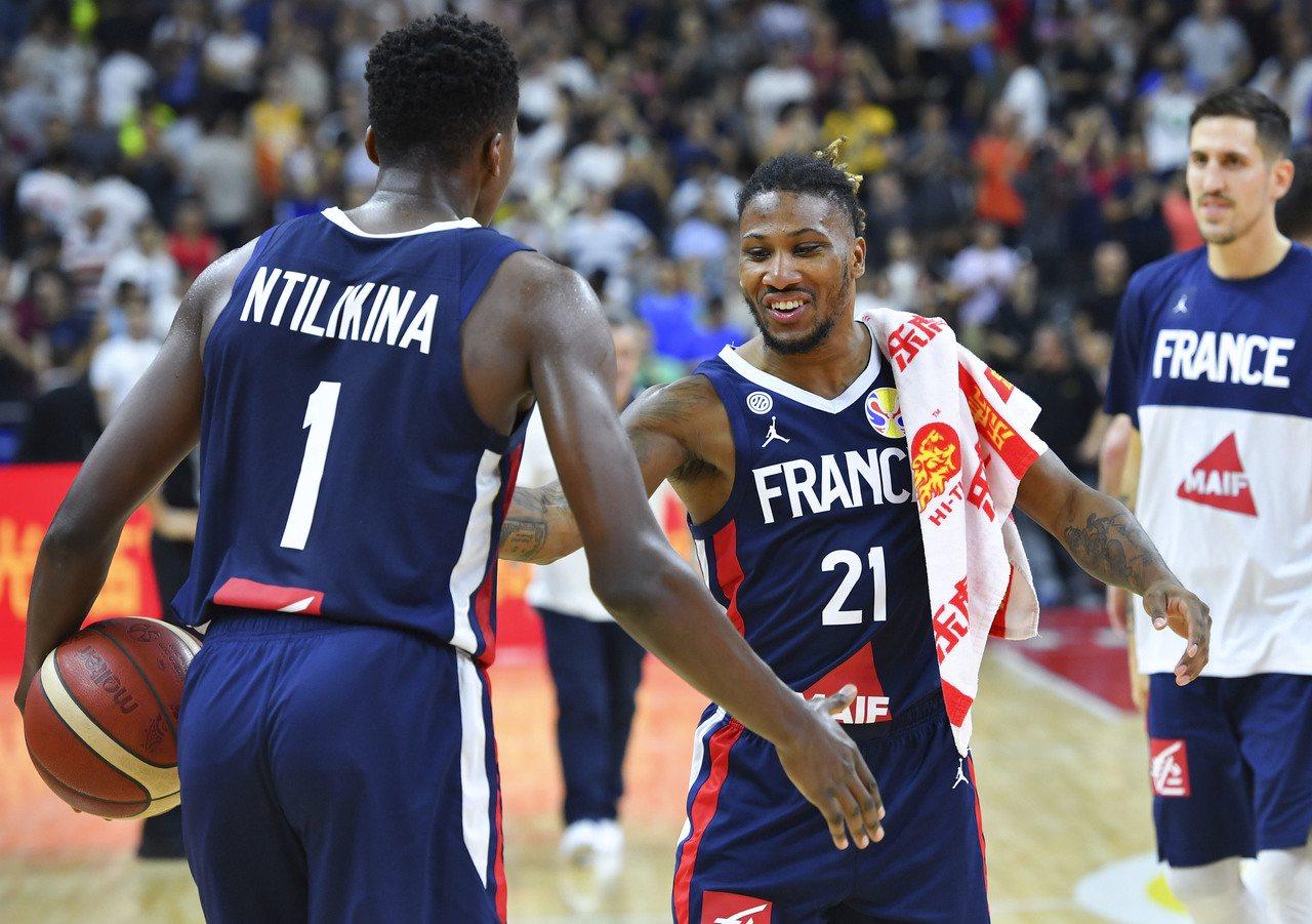 法國擊敗美國也取得奧運門票。 新華社