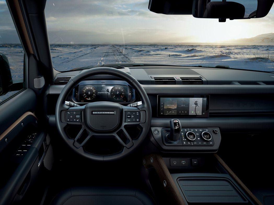 嶄新的科技化車室內裝,結合風格獨特的外露結構機能設計與21世紀尖端科技。 圖/L...