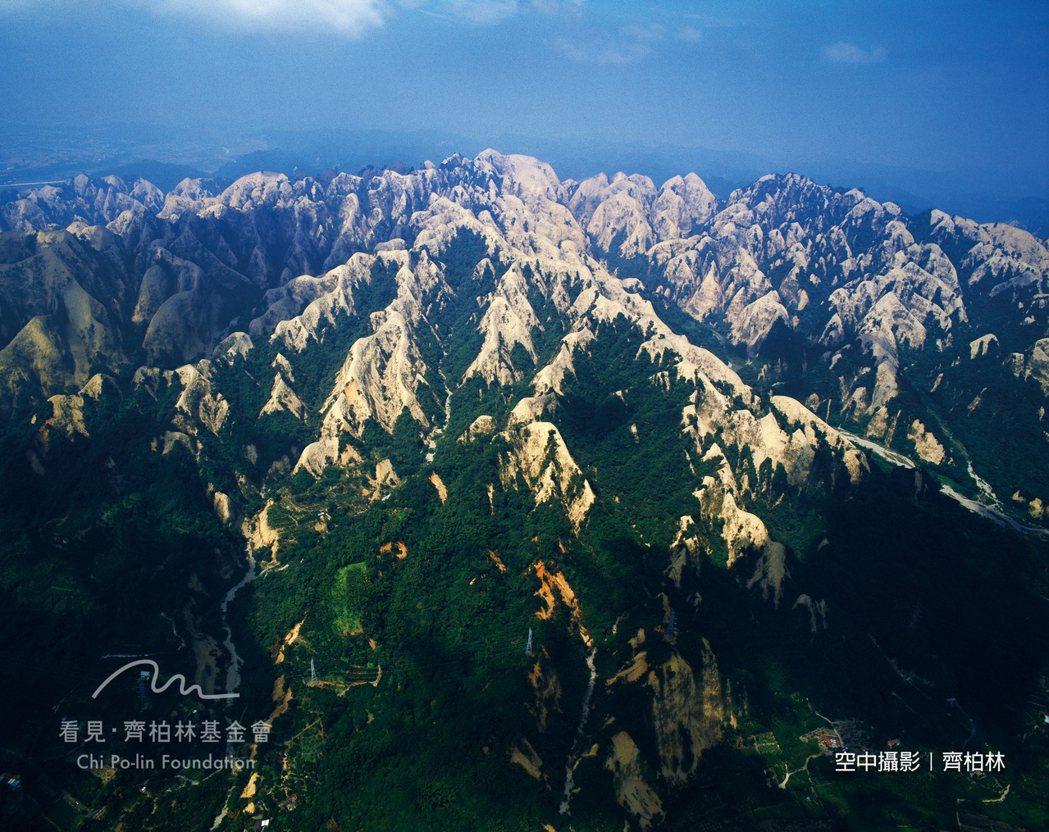 1999年 南投草屯九九峰(921大地震後)