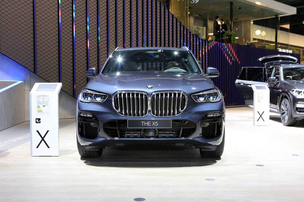 全新BMW X5 xDrive45e在法蘭克福車展中正式發表。 摘自Carsco...