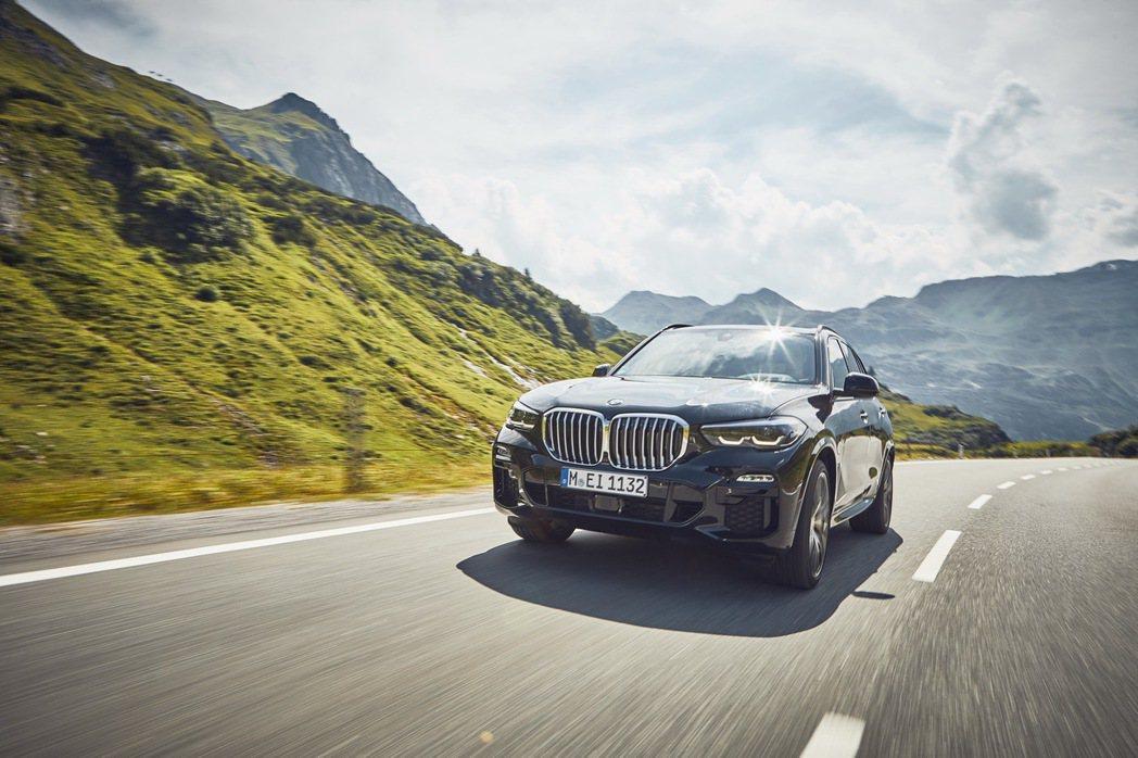 BMW X5 xDrive45e綜效馬力可達394hp。 摘自BMW
