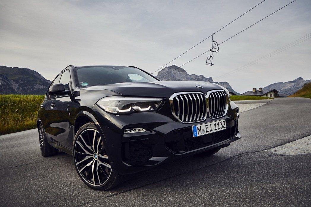BMW X5 xDrive45e續航力、動力都有所提升。 摘自BMW