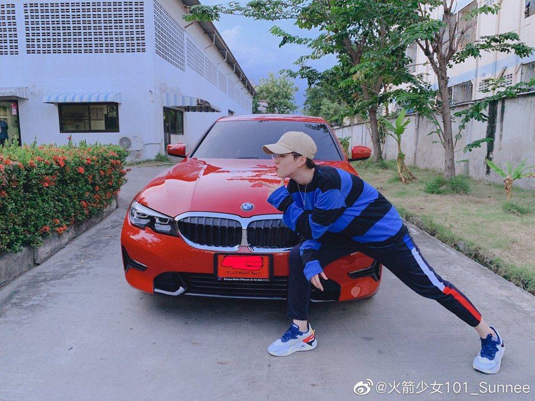 Sunnee楊芸晴送給自己的生日禮物是一台BMW。圖/擷自微博