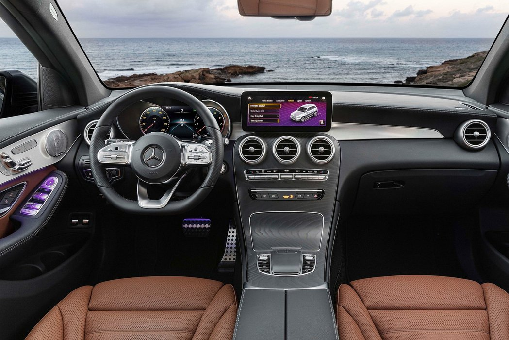 小改款GLC/GLC Coupe首度中央標配10.25吋觸控數位螢幕搭載MBUX...