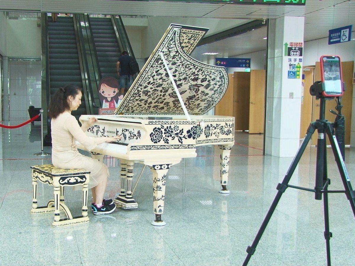 淡水市民聯合服務中心,來一位在英國教鋼琴近二十年的演奏家王淑慧,為大家彈奏膾炙人...