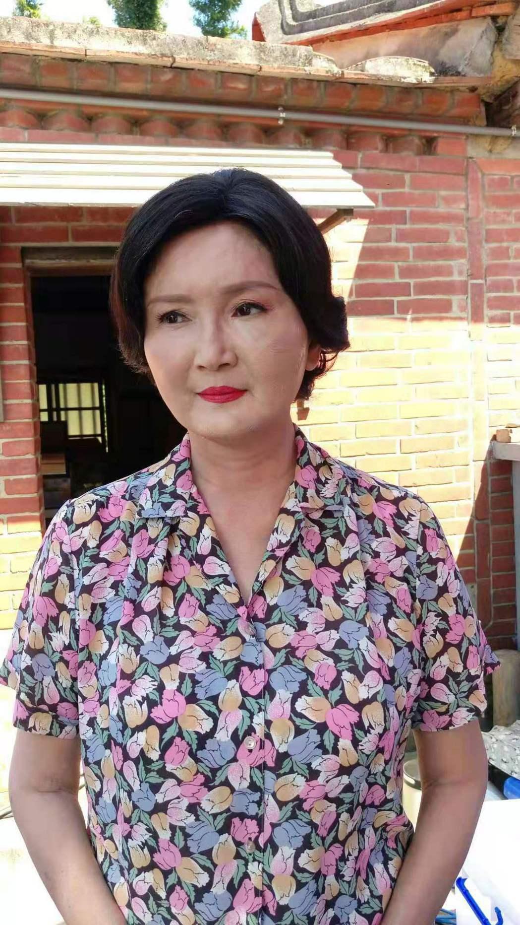馬惠珍臉部摔傷,隔天蓋上厚厚粉底帶傷繼續拍攝。圖/艾迪昇傳播提供