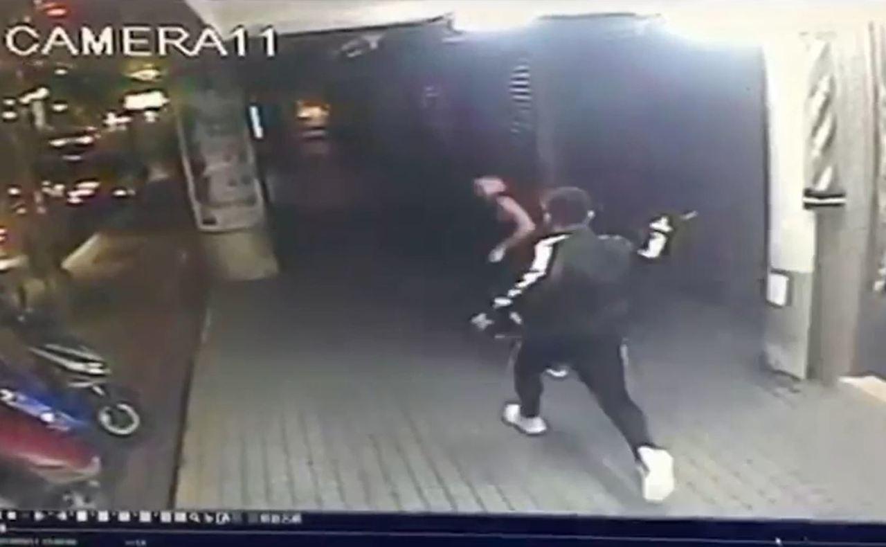 彭男疑因債務糾紛,唆使曾男帶人持刀砍傷李男。記者柯毓庭/翻攝