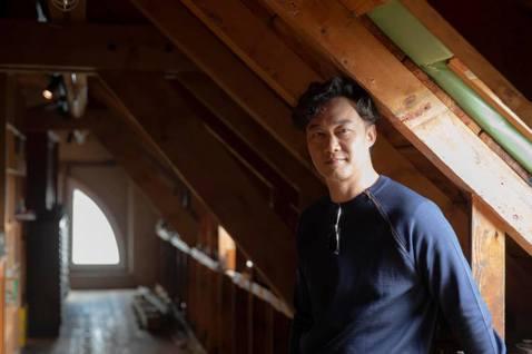 陳奕迅(Eason)將於12月9日重返香港紅館,連辦20場「Fear and Dreams」演唱會,日前開賣一度造成系統當機,隨後立即秒殺,引起歌迷一片哀嚎,形容買票過程就是真實版「不可能的任務」。...