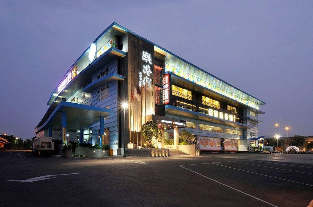 台中市知名的大型婚宴餐廳潮港城。圖/翻攝自潮港城臉書