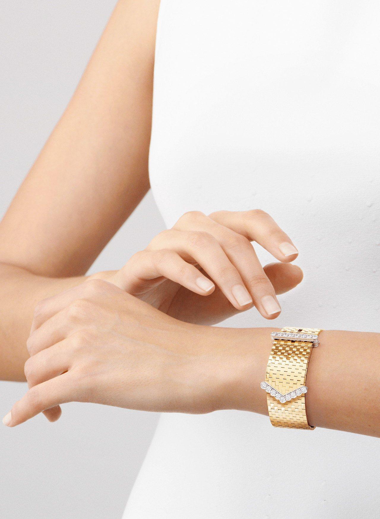 梵克雅寶Ludo手鐲,黃K金與白K金鑲嵌鑽石,202萬元。圖/梵克雅寶提供