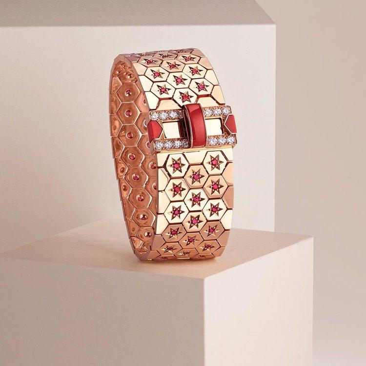 梵克雅寶Ludo手鐲,玫瑰金鑲嵌紅寶石、珊瑚、鑽石,202萬元。圖/梵克雅寶提供