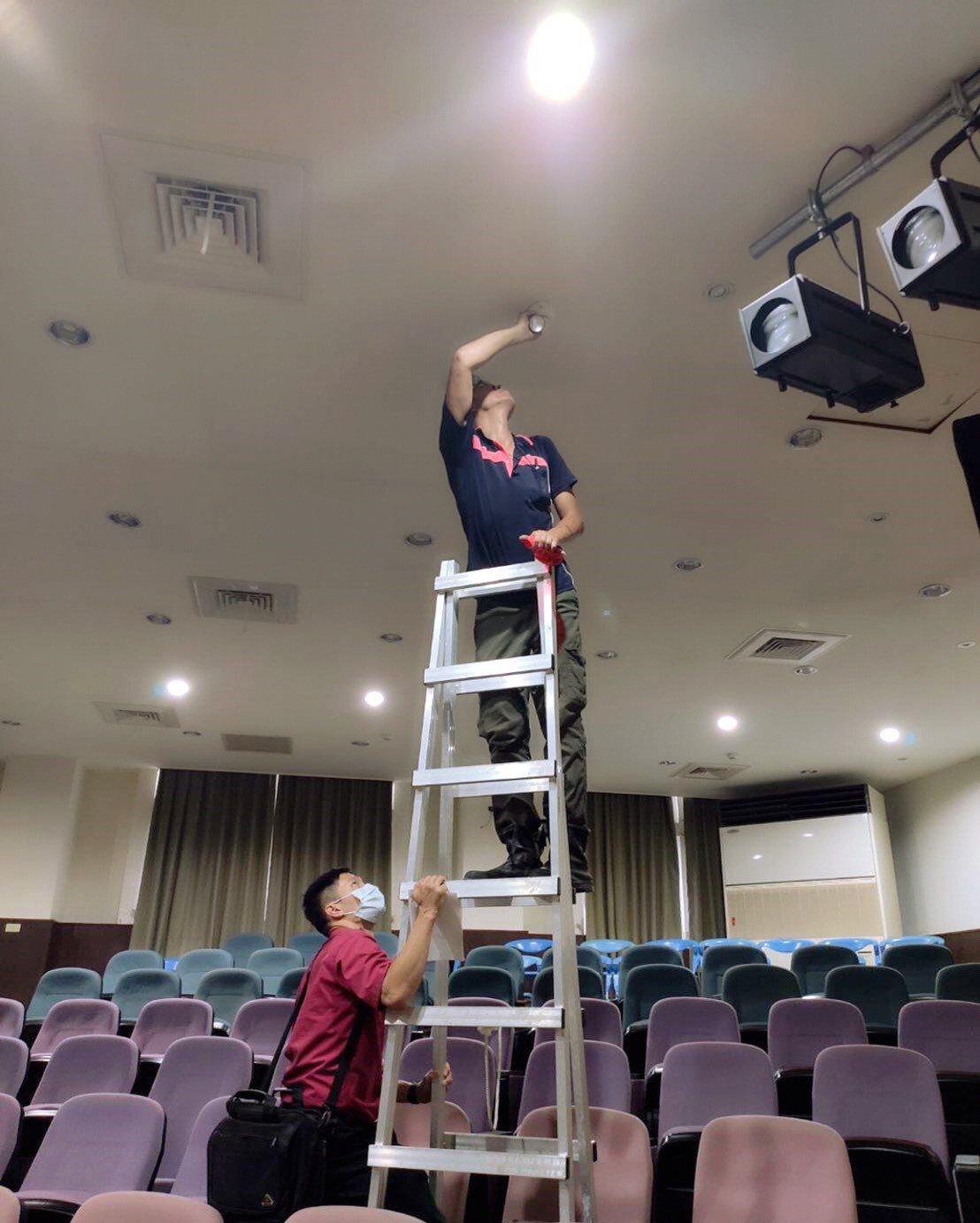 桃園市八德區11所國中小附幼的消防設備檢查合格率僅9%,桃市教育局回應,被點名的...