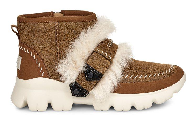 Fluff Punk系列輕量大底栗色鞋款,售價7,800元。圖/UGG提供