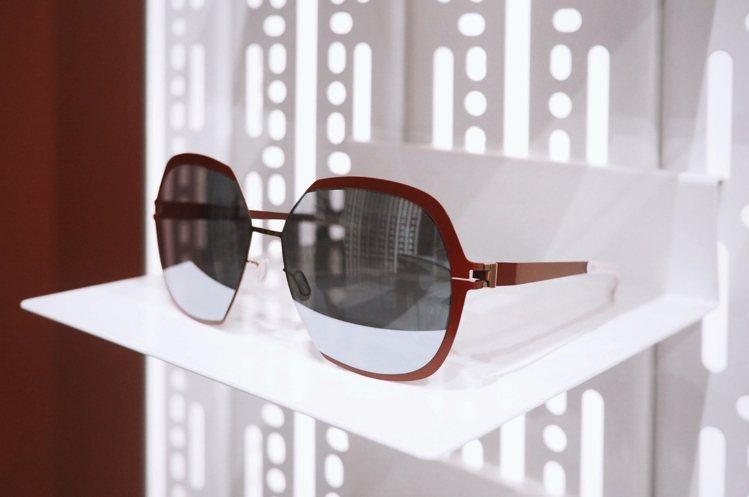 MYKITA特別創製一款台北限量版鏡框太陽眼鏡,18,700元。圖/品牌提供