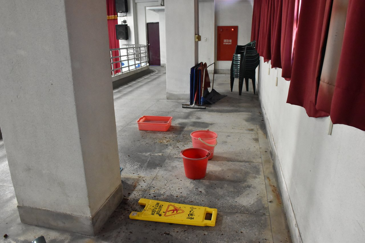 廁所沒扶手、活動中心漏水 中和3校老舊立委會勘