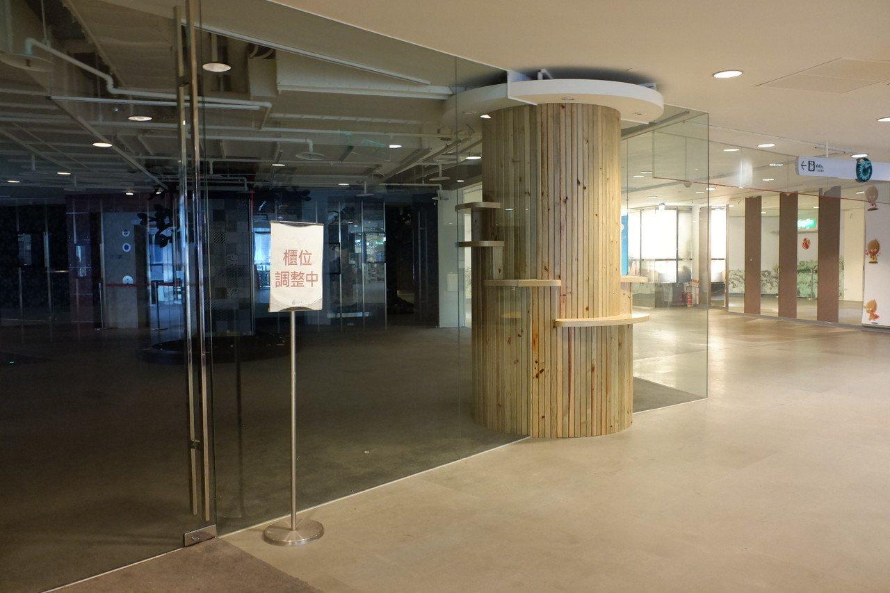 京華城目前已有不少樓層櫃位空出。記者江佩君/攝影