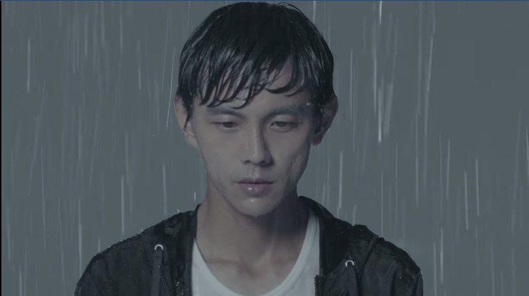 阿翔跟老婆一起拍MV,在大雨中攜手,一起挺遇風雨。浩角翔起官方粉絲頁