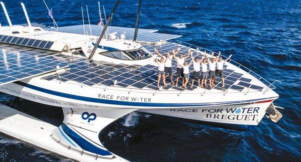 寶璣贊助Race for Water計劃,以長達五年的航程將行經35個國家,投入...