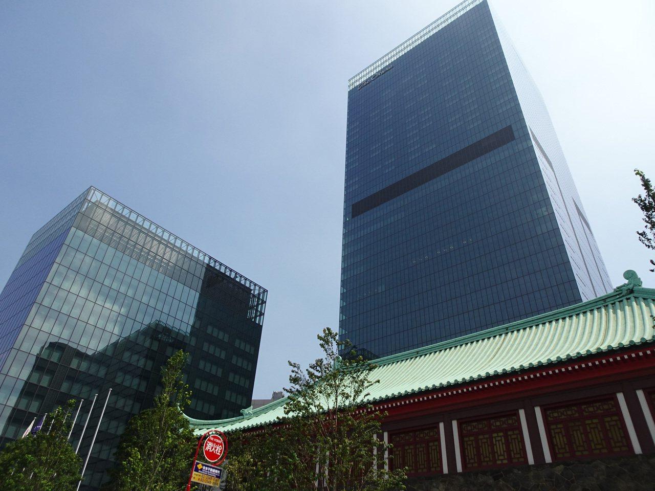 東京大倉飯店原本有本館與別館兩棟,4年前拆除本館原址改建,斥資約新台幣291億元...