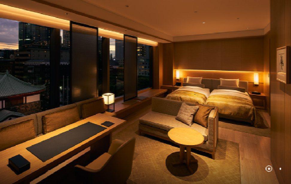 東京大倉飯店41樓高的高層樓棟內有客房368間,住宿費一晚約7、8萬日圓。17樓...