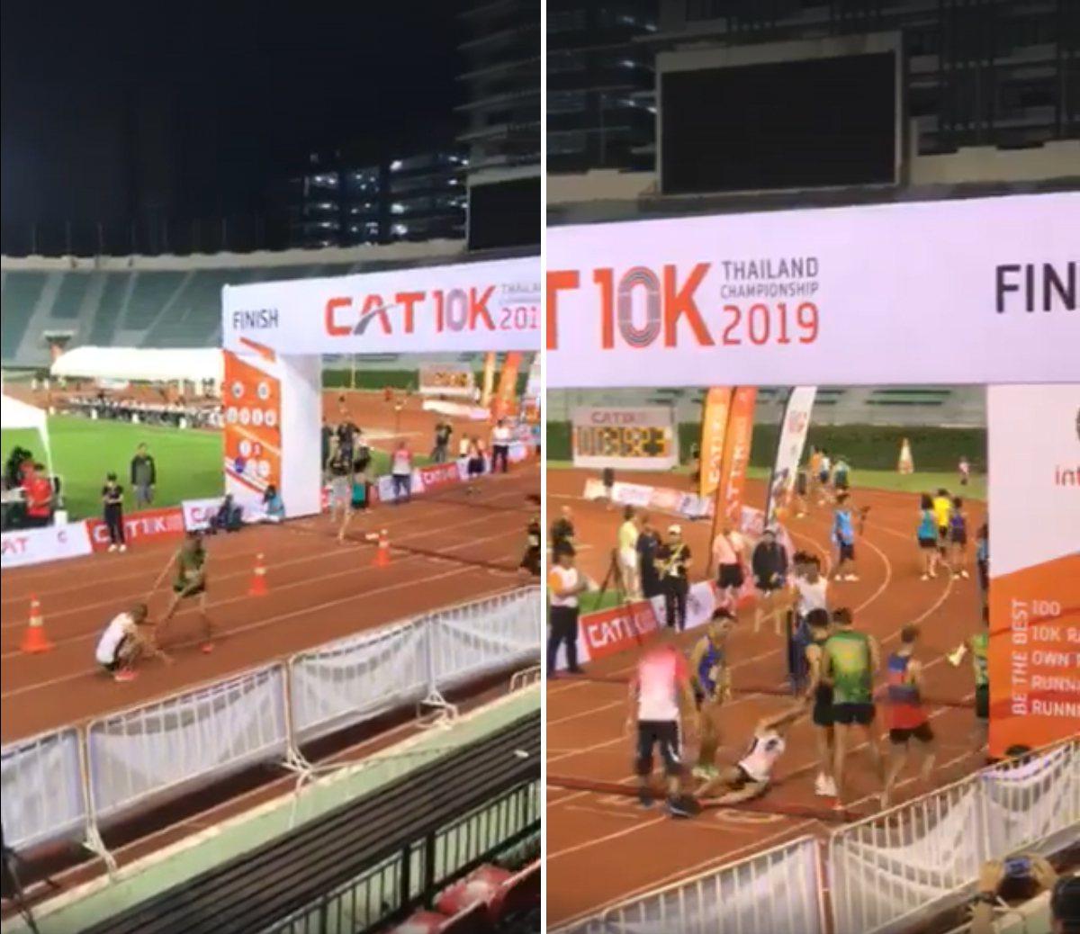 泰國曼谷日前舉辦一場馬拉松,但就在終點線前有選手腿軟倒地,另一名選手見狀放棄衝終...