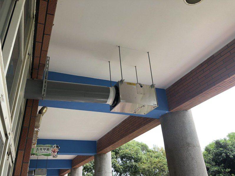 雲林麥寮、崙背、二崙3鄉鎮22所小學,獲得中央補助設置新風系統,改善空氣汙染問題。記者李京昇/攝影