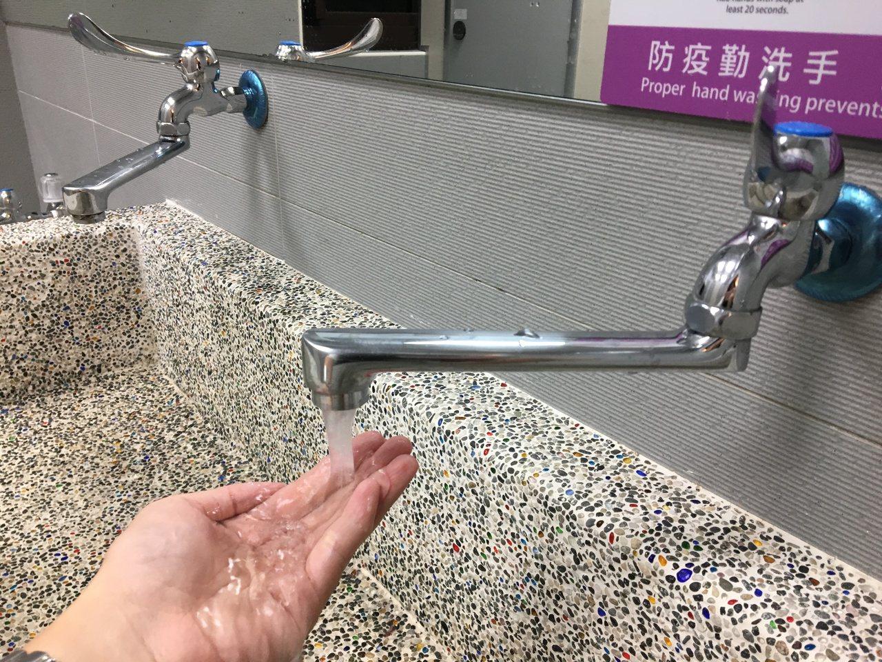 台灣自來水公司為辦理桃園市八德區大興路埋設管線工程,將於16日晚上10點起至17...