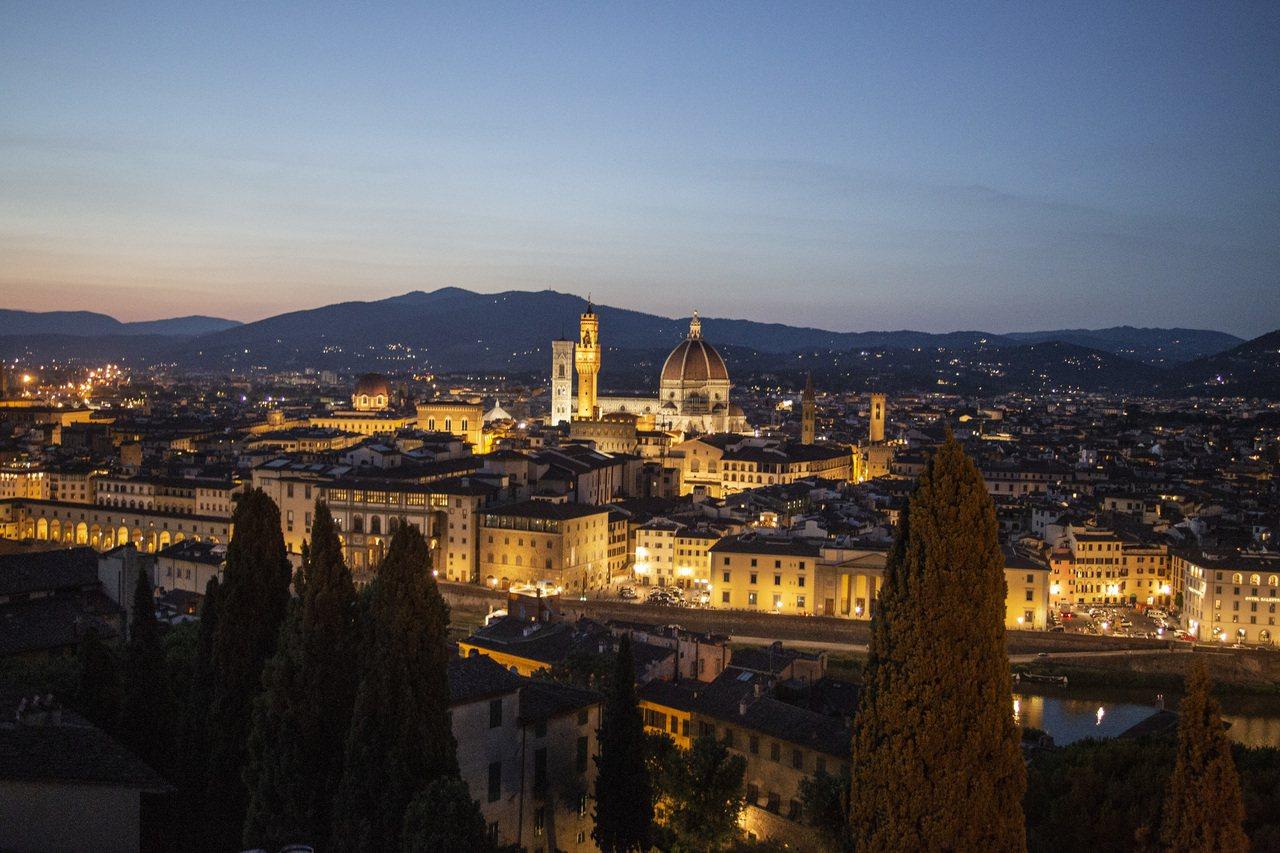 在La Leggenda dei Frati餐廳可俯瞰佛羅倫斯美景。圖/台北文華...