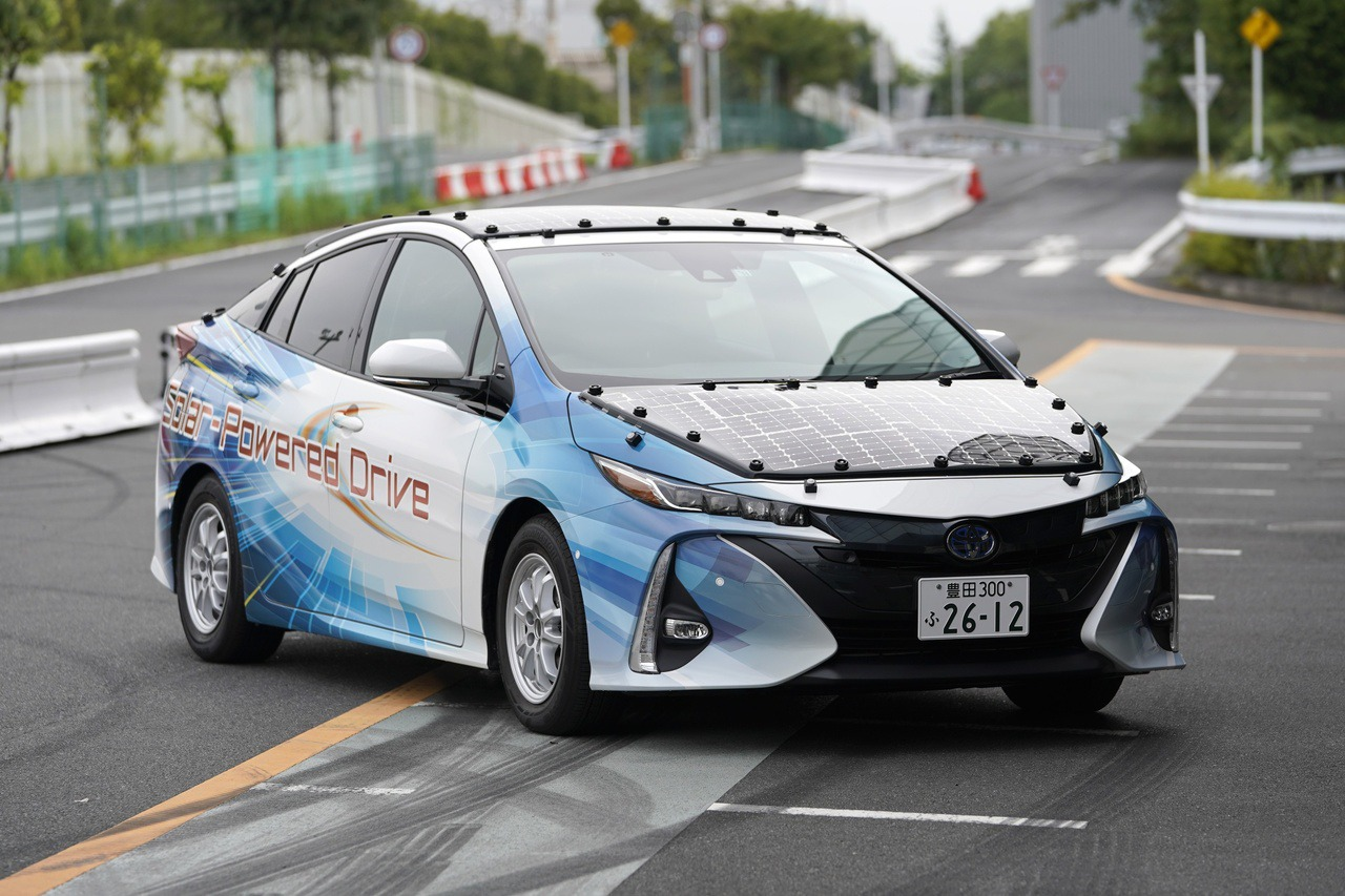 Toyota、夏普、NEDO攜手 研發永不需插電的太陽能車