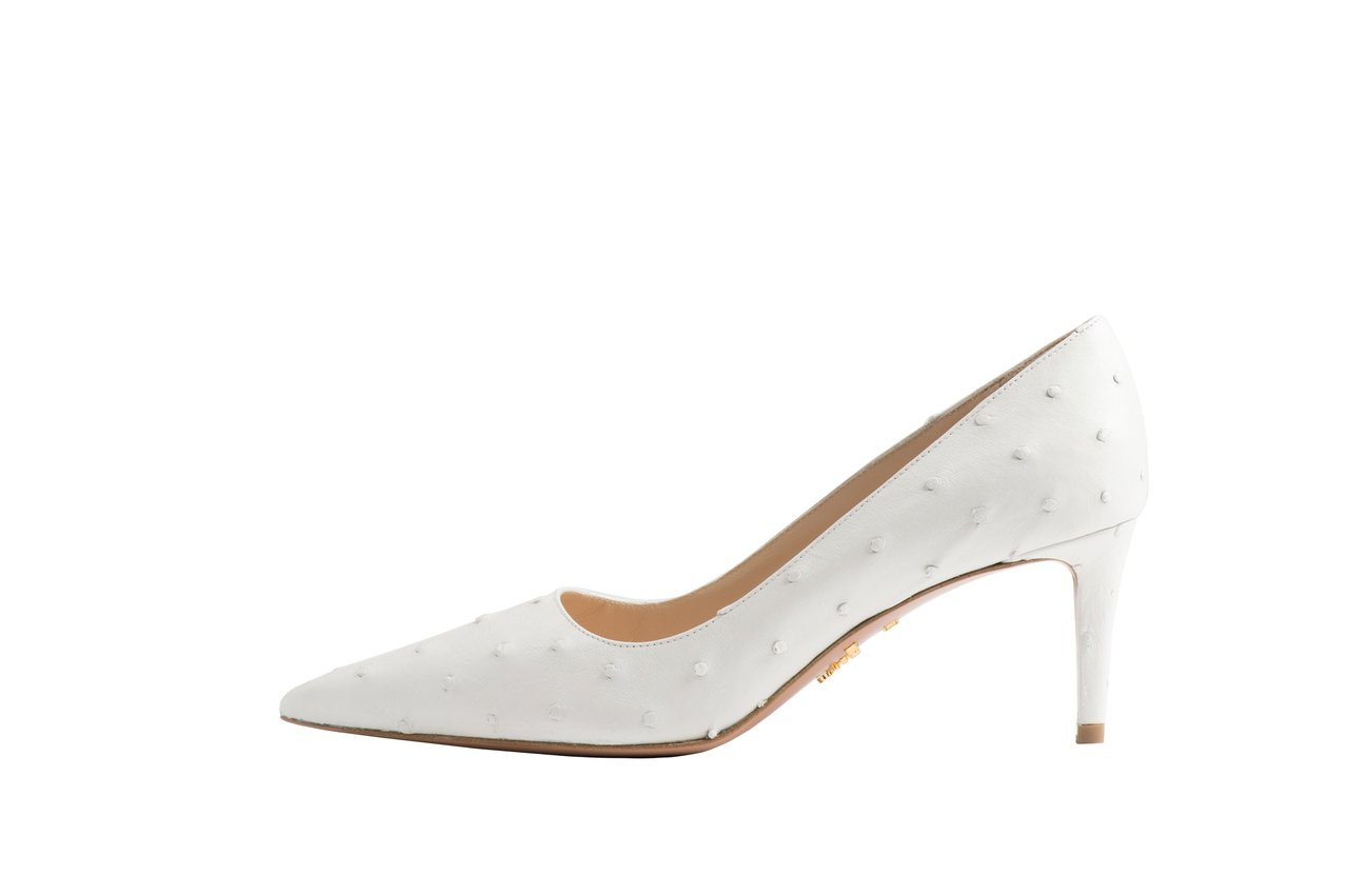 PRADA鴕鳥皮訂製高跟鞋,售價84,000元。圖/PRADA提供