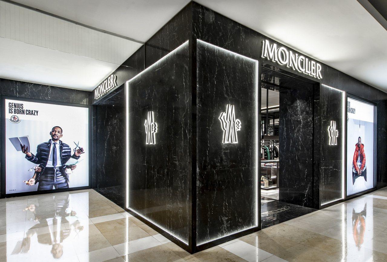 MONCLER台中新光三越店經過擴充、改裝,於日前重新開幕。圖/MONCLER提...
