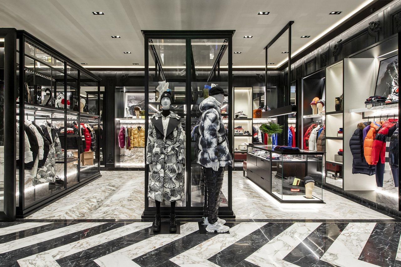 MONCLER台中新光三越店擴張改裝後面積大約36坪。圖/MONCLER提供