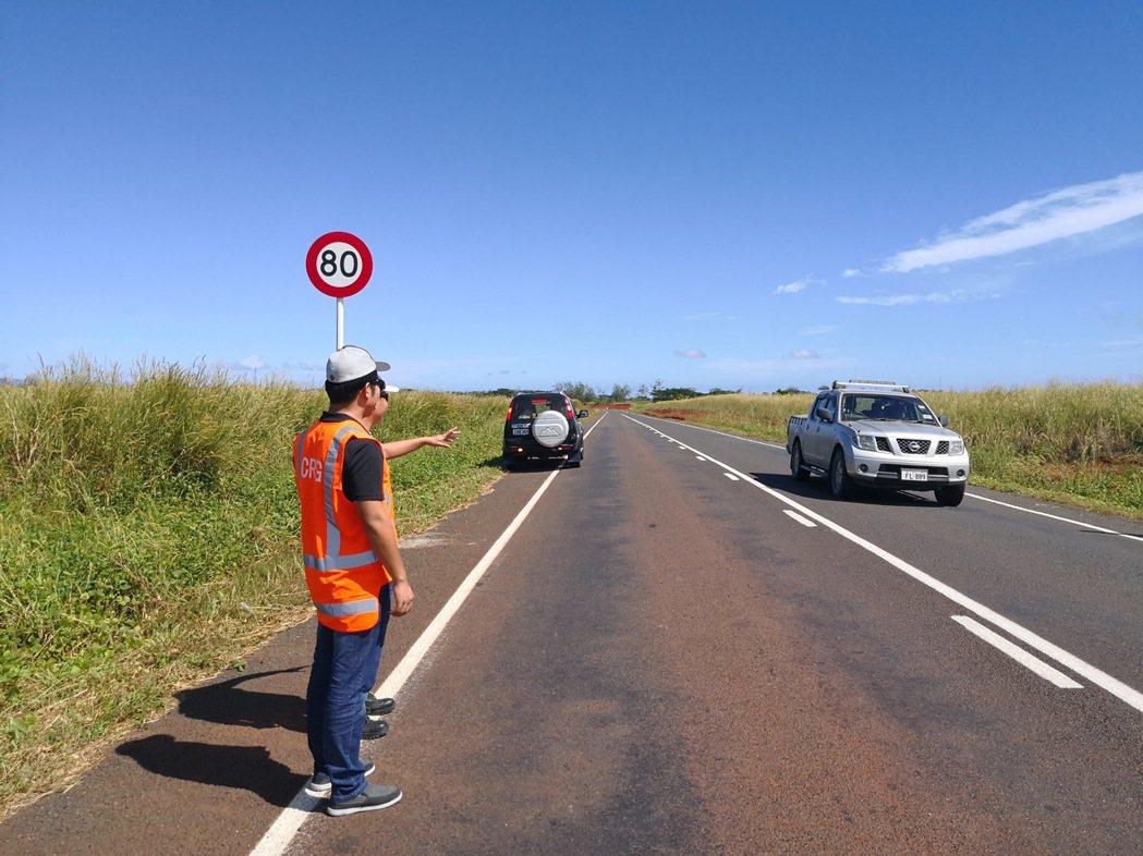 大陸企業「中鐵一局」在斐濟修建的高速公路,是「一帶一路」工程之一。圖為中鐵一局工...