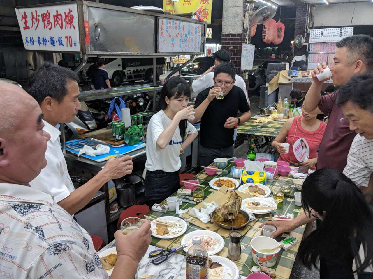高嘉瑜中秋節到處「魚肉鄉民」。圖/取自高嘉瑜臉書