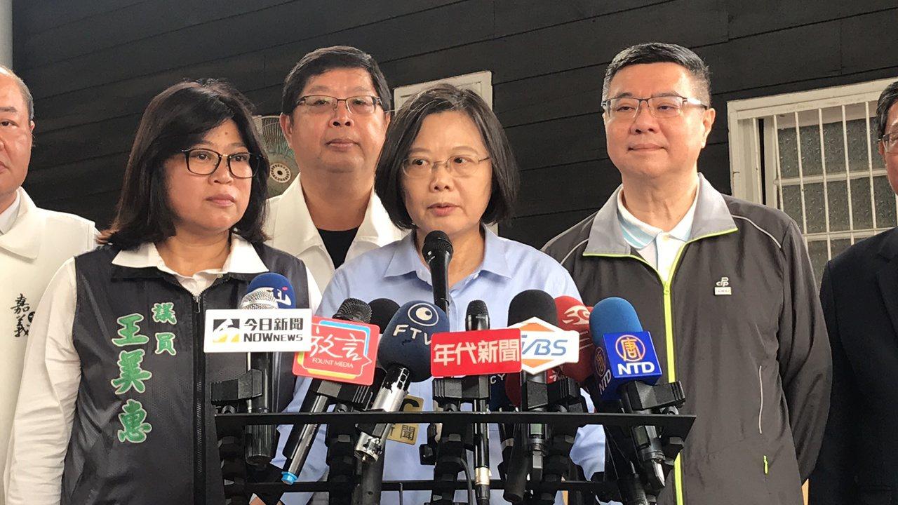 屏東恆春的鄉政顧問李孟居在大陸遭羈押,總統蔡英文呼籲國人進入中國時要注意人身安全...