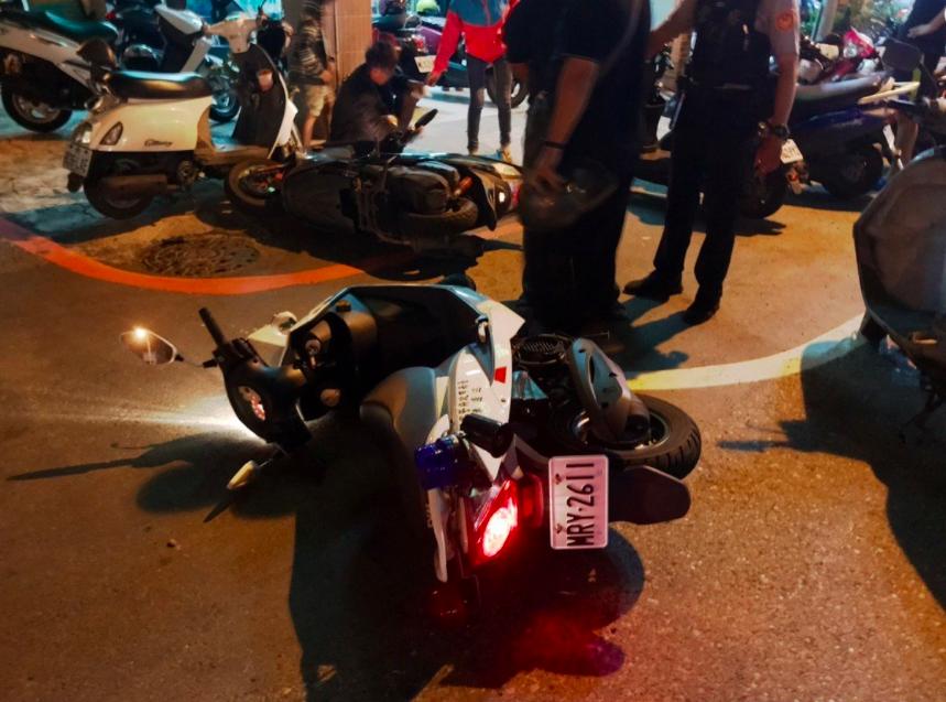 歐姓男子酒後駕車,在台南市南區金華路二段33巷口遇警攔查,心虛加速沿路逆向、闖紅...