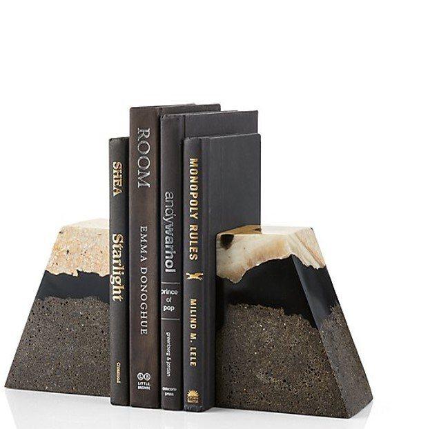 Crate and Barrel Lava礦物梯型書擋,售價1,880元、新品優...