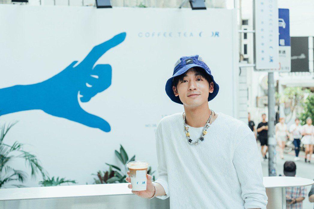 小樂吳思賢從小在台北東區長大,對當地有很深的情感。圖/COFFEE.TEA.OR...