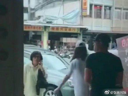 網路傳出霍建華、林心如被拍現身台北吃麵照,但有網友揪出應為去年的照片。圖/摘自微...