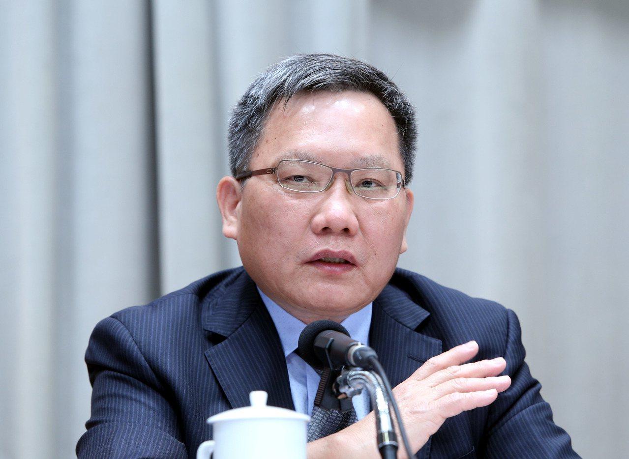 財政部長蘇建榮表示,印花稅廢止後,中央一定會補足地方短少的財源。圖/聯合報系資料...