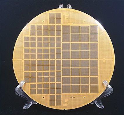 希鐠科技和量產廠商合作開發的八吋eHDF測試基板。 希鐠科技/提供