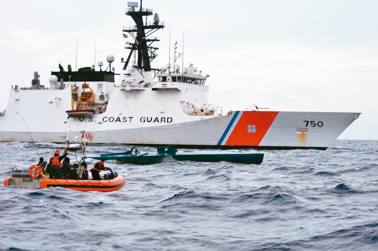 美國海岸巡防隊4000噸傳奇級(Legend Class) 巡防艦,是USCG下...