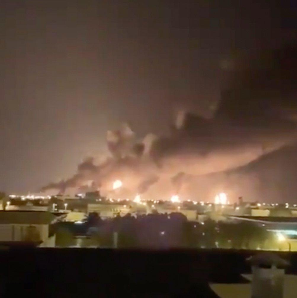 葉門叛軍青年運動(Houthi)14日聲稱以無人機攻擊沙烏地石油業核心的設施,引...